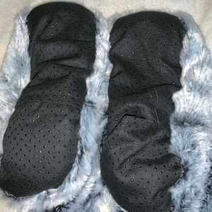 Thermal microwaveable slipper boots